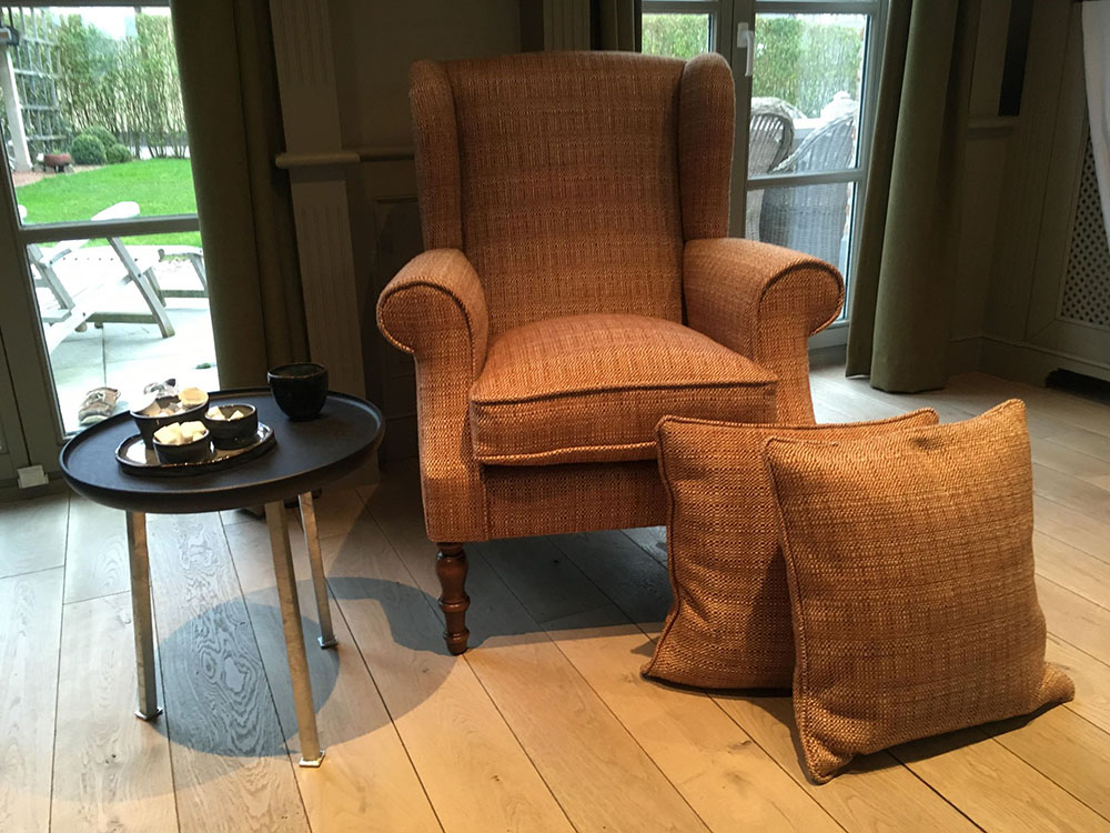 Herstoffering Wing Chair